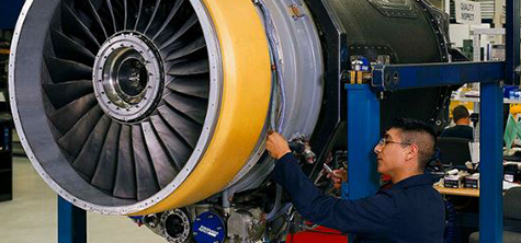 University training trailblazing Rolls-Royce project managers