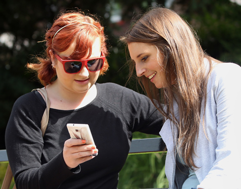 Two female students chatting. Original file name: denton43.jpg